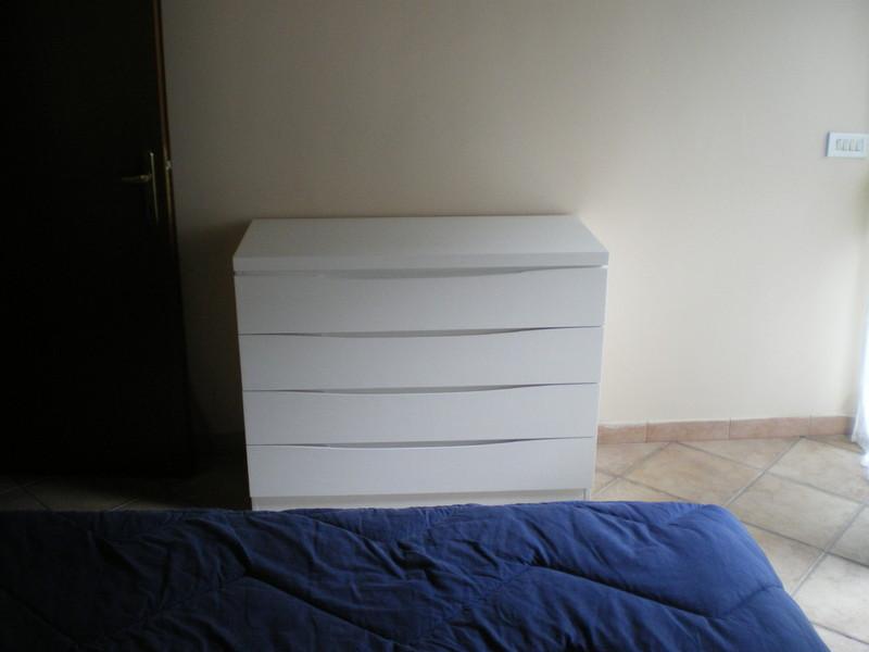 camera da letto completa, realizzata in listellare di castagno con ...