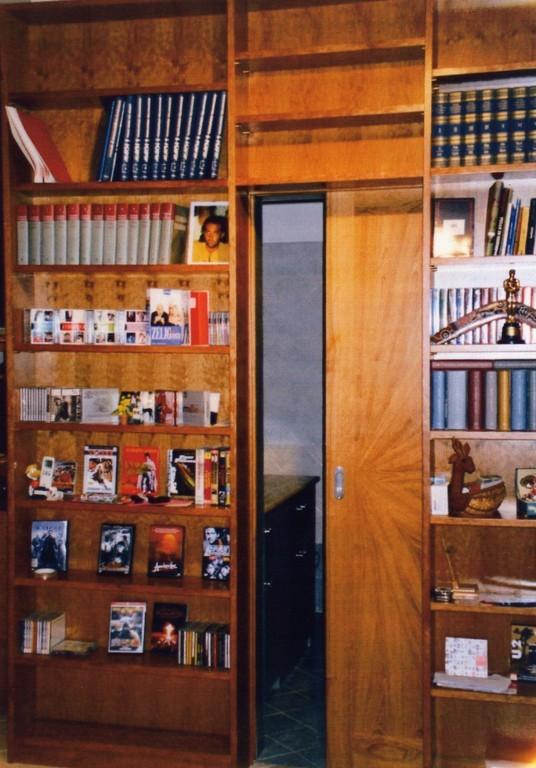 Il falegname artigiano pomezia roma armadi camere da - Libreria con porta ...