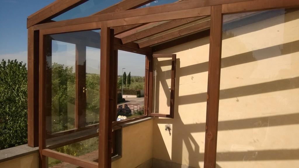 Il falegname artigiano pomezia roma armadi camere da for Finestre di artigiano