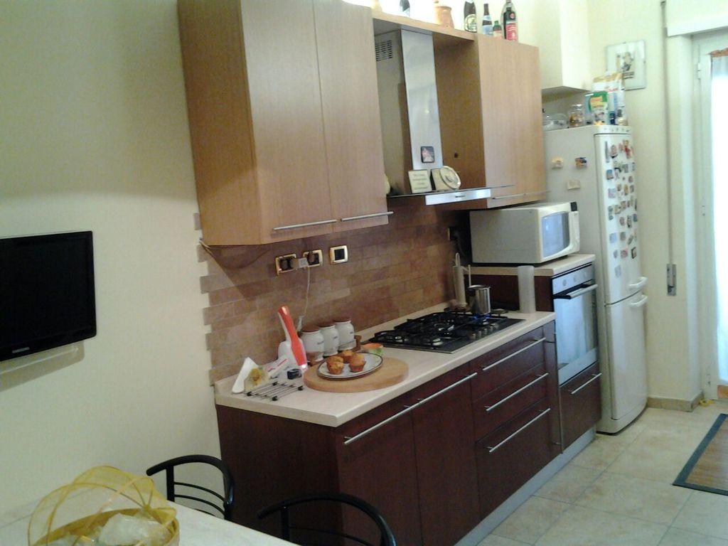 Il falegname artigiano pomezia roma armadi camere da - Cucina frigo libera installazione ...